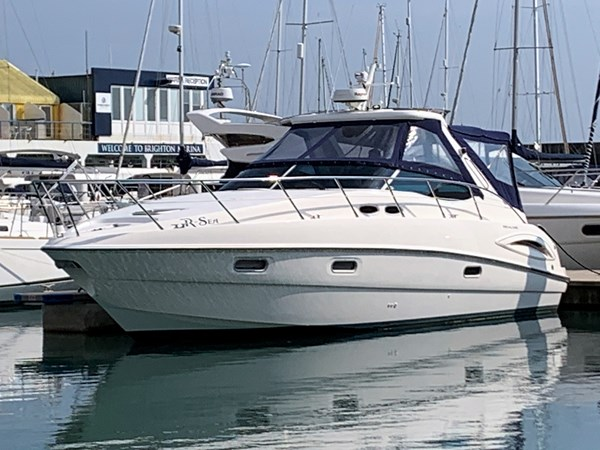 Sealine S38 Port Bow