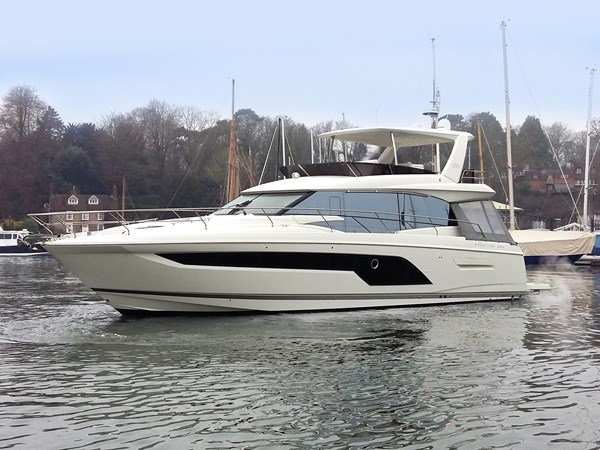 For sale - Prestige 590