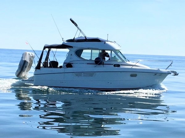 Jeanneau Merry Fisher 805 on the water 2019