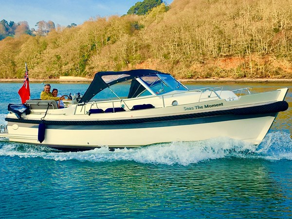 2015 Interboat Intercruiser 27 Cabin