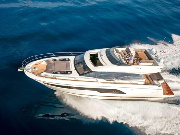 Prestige 630 Sport Yacht