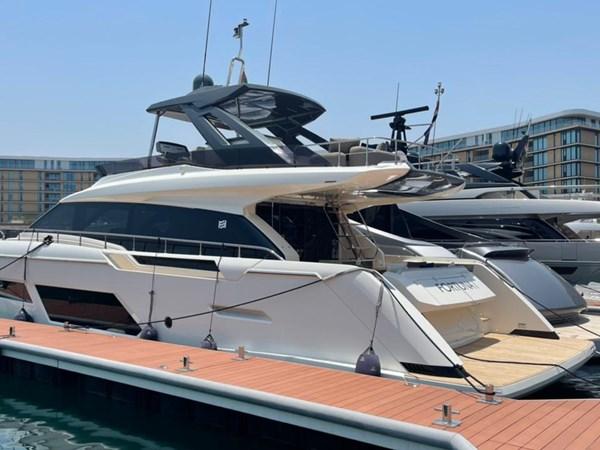 Ferretti 670 MY starboard view