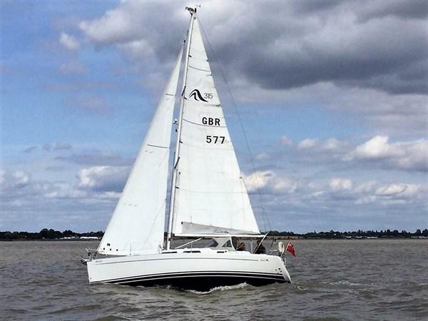 Hanse 315 at sea