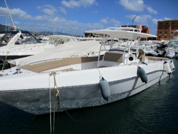 Silvercraft 36 cc starboard view
