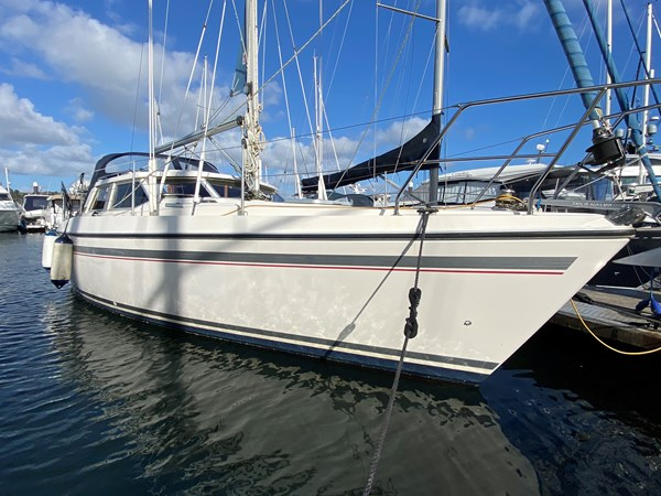1989 Moody Eclipse 33